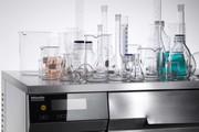 Produkt-News: Hersteller von Laborglas und Reinigungs- und Desinfektionsautomaten nutzen Synergien