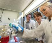 Dr. Philipp Koch, Dr. Julia Ladewig und Vira Iefremova