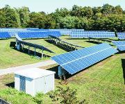 Messungen am KIT sollen bestimmen, wie sich die Verschmutzung der Solarpanelen durch abgelagerten Mineralstaub auf die PV-Leistung auswirkt. (Foto: Sandra Göttisheim)