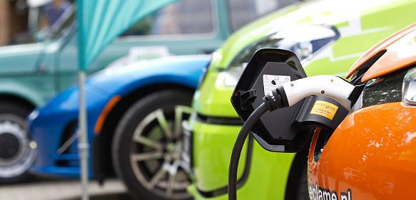 Elektromobilität: Plug-in-Hybride besser als ihr Ruf