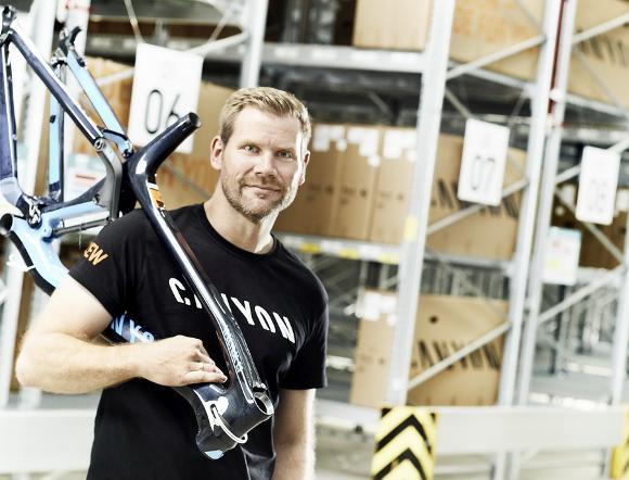 Canyon lagert mit bito das komplette bike kommt in der for Koch lagertechnik