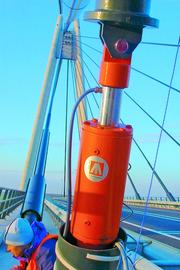 Fertigungstechnik und Werkzeugmaschinen (MW),: Schwingende Brückenseile