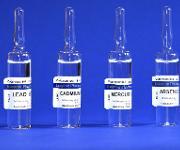 Ampullen mit Referenzlösungen für Cadmium, Blei, Arsen und Quecksilber