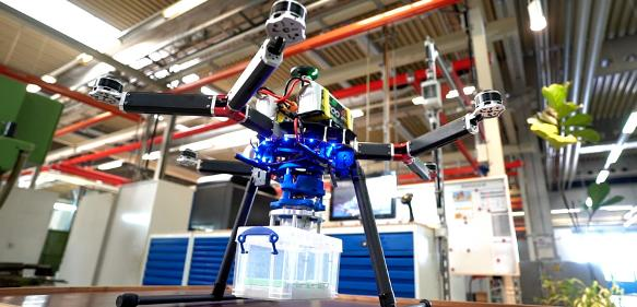 Roehm-Drohnengreifer