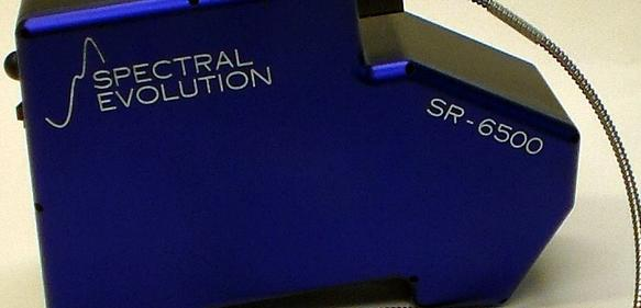 Ultra hochauflösendes, portables Spektroradiometer von Spectral Evolution.