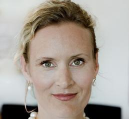 Susanna schneeberger leitet terex material handling - Terex material handling port solutions ag ...