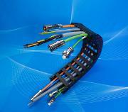 TKD erfolgreich mit Energieketten:: Direkt an die Maschine