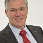 Zu Lande: Schmitz Cargobull AG ehrt treuen Vorstand