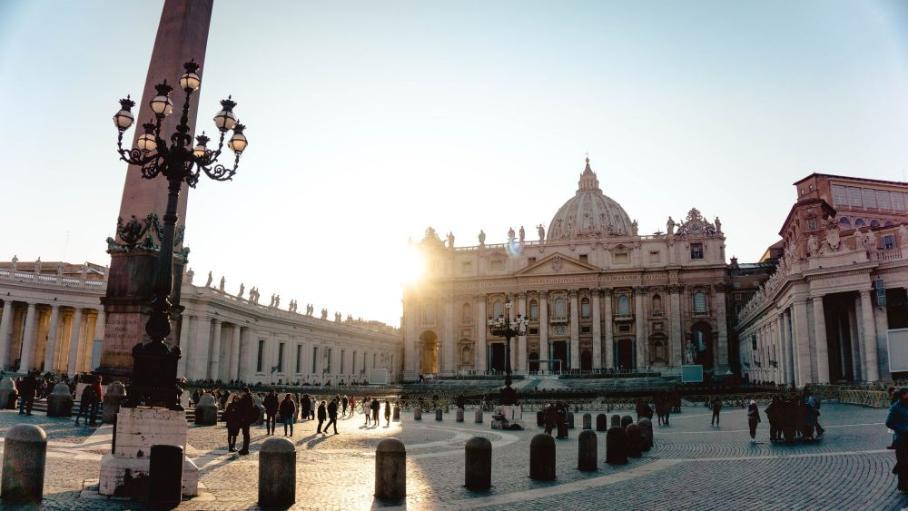 Digitalisierung: Interoutes Glasfasernetzwerk unterstützt die digitale Transformation des Vatikans