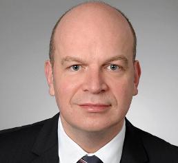 <b>Dr. Matthias Metz</b> - Vorstand_zeiss_1059407