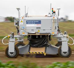 Agrarroboter Bonirob von Deepfield Robotics