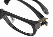 News: Scharnierdesign mit Hilfe eines Hochleistungskunststoffes: Hier gibt es etwas auf die Nase