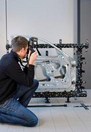News: Messtechnik: 3D-Digitalisierung und photogrammetrische Messung aus einer Hand