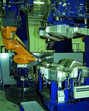 Fertigungstechnik: Roboter schweißen Edelstahl