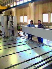 Fertigungstechnik und Werkzeugmaschinen (MW): Ausschwenkbare Oberwange