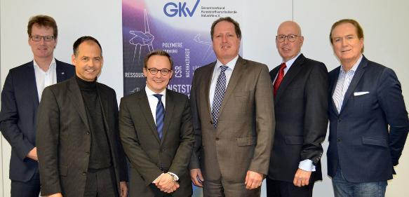 Geschäftsführer des GKV und seiner Trägerverbände v.l.:  Elmar Witten (AVK), Michael Weigelt (Tecpart), Oliver Möllenstädt (GKV), Klaus Junginger (FSK), Ralf Olsen (Pro-K), Ulf Kelterborn (IK). (Bild: GKV)