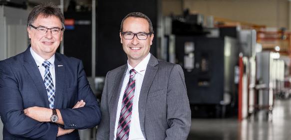 Ernst Berger (links) übergibt seinen Aufgabenbereich nach 33 Jahren in der Greiner Gruppe an Günter Fellner (Bild: GPN)