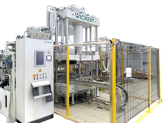 Presse zur Fertigung von 3-D-Formteilen aus Organo-Sheets