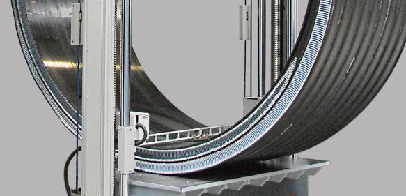 Prüfung von Rohren mit Durchmessern bis 3,5 Meter. (Bild: Zwick)
