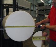 Größere Bauteile als bisher lassen sich spanend aus POM-C produzieren. (Bild: Gehr)