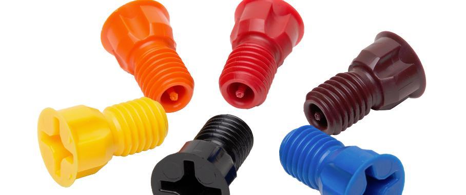 Diese Dichtungsschrauben aus POM entstanden laut Anbieter in einem Spritzgießwerkzeug mit im 3D-Druck gefertigten Einsätzen. (Bilder: Startasys)