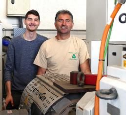 Geschäftsführer Gheorghe Campan (rechts) mit Sohn Andreas.