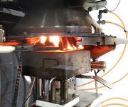 Brandversuche entsprechend der im Jahr 2018 gültig werdenden Norm sollen Sicherheit in die Verwendung von Klebstoffen unter verschiedenen Bedingungen bringen. (Bild: Bodo Möller Chemie)