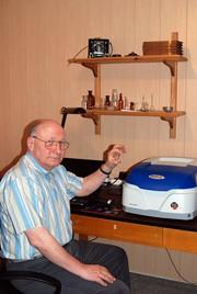 Preisverleihung: Analytik Jena prämierte ältestes Spektralphotometer