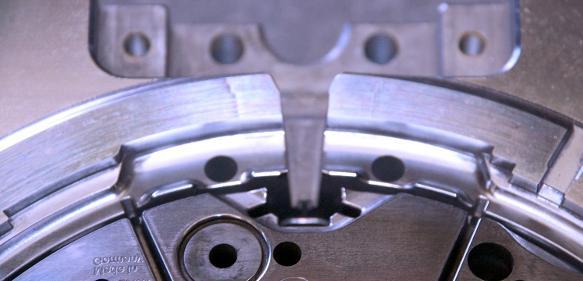 1K-Werkzeugs, das mit den Werkzeugen HGOF (Ø2-8), EPDBE / EPDRE (Ø0,4-6), EPP (Ø3-6) komplett gefräst wurde