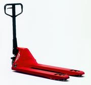 Flurförderzeuge: Rot, flink und robust