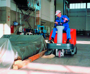 Aufsitz-Kehrmaschine: Präzision verlangt Sauberkeit