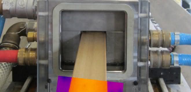Mithilfe von Wärmebildkameras soll eine hundertprozentige Überwachung der Profilextrusion in Echtzeit möglich werden.