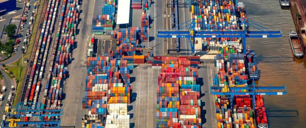 Binnenhäfen: Duisburger Hafen: Containerumschlag weiterhin auf Rekordniveau