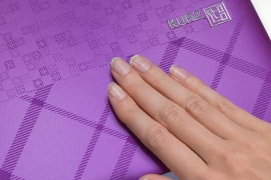 Softtouch-Oberfläche mit IMD-Design.