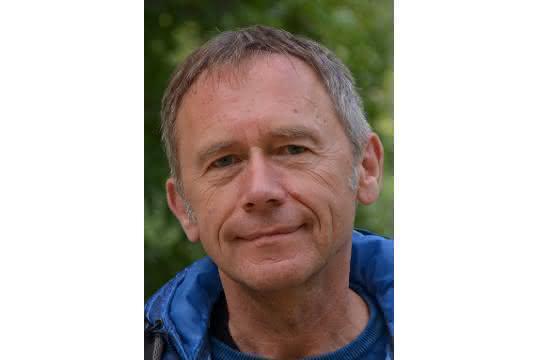 Wolfgang Schnick erhält die Liebig-Denkmünze.