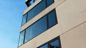 Der Schöck Isolink Typ TA-HC ist eine Fassadenbefestigung aus Glasfaserverbundwerkstoff für kerngedämmte Betonwände