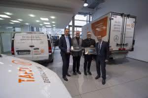 Bau-Lkw: Mercedes Benz sponsort Transporter für Tafel-Initiativen