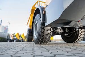 Vom 14. bis zum 17. März 2017 zeigt Bohnenkamp am Stand des Maschinenbauers Bergmann leistungsstarke EM-Reifen von BKT.