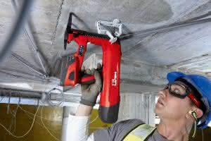 Das BX 3-ME ist speziell für Elektrobefestigungen selbst auf Beton- und Stahluntergründen konzipiert. (Abb.: Hilti)