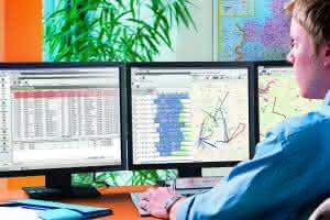 Zu Lande: Initions wird auf der IAA Lösungen für eine digitale Logistik  präsentieren