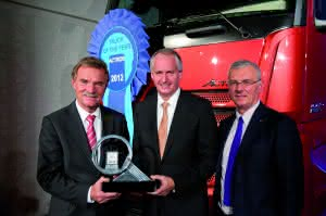 News Knowledge: Neuer Actros ist Truck Of The Year 2012