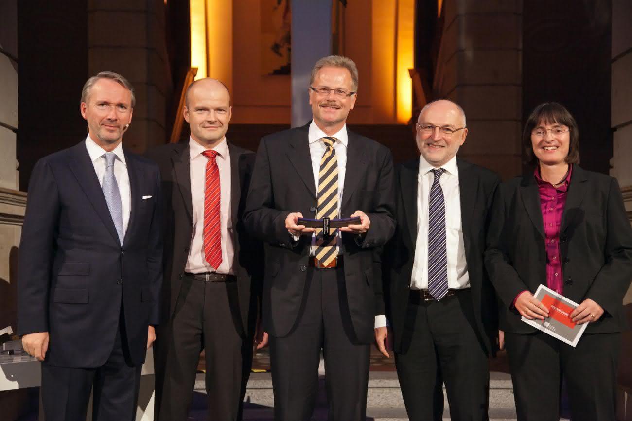 Intralogistik: Linde freut sich: Goldener Econ Award verliehen