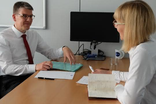 Dr. Jochen Kress, Mapal, im Gespräch mit SCOPE-Chefredakteurin Andrea Gillhuber.
