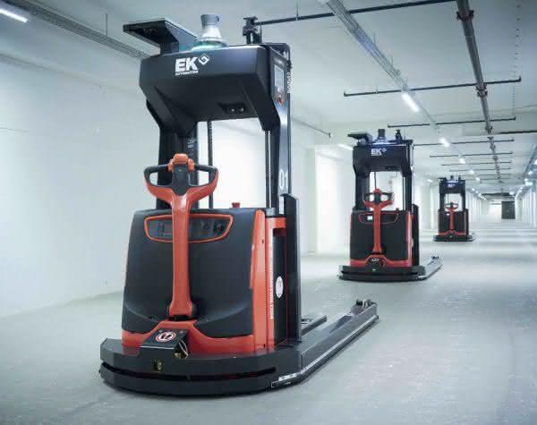 Leitsteuerung der Transportroboter