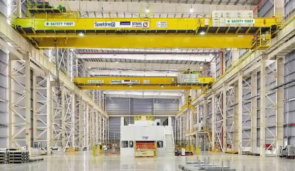 Prozesskrane mit Komponenten von Stahl CraneSystems