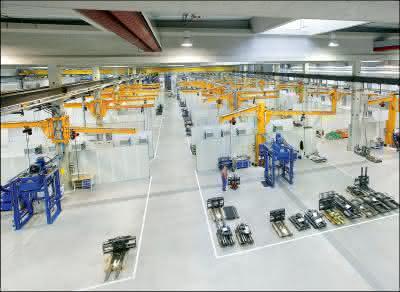 Krane & Komponenten: Krane: Ein Schwenkkran für jeden Arbeitsplatz