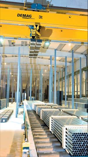 Krane & Komponenten: Krane: Umstellung von Kransteuerungen im laufenden Betrieb geglückt