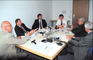 Stapler & Komponenten: Materialfluss Round Table: RBG oder Stapler, kostengünstige Lösungen, Modernisierung und Neubau werden von Experten mit Materialfluss diskutiert