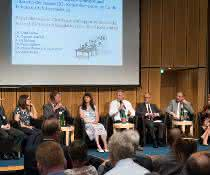 Herausforderungen und Chancen der neuen EU-Kontrollverordnung der Lebensmittelüberwachung diskutierten die Experten auf dem Podium mit dem Publikum. (Foto: Pflug/BVL)