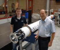 DARE-Teammitglied Casper van Lierop (links) und Faulhaber-Experte Arjan Bos